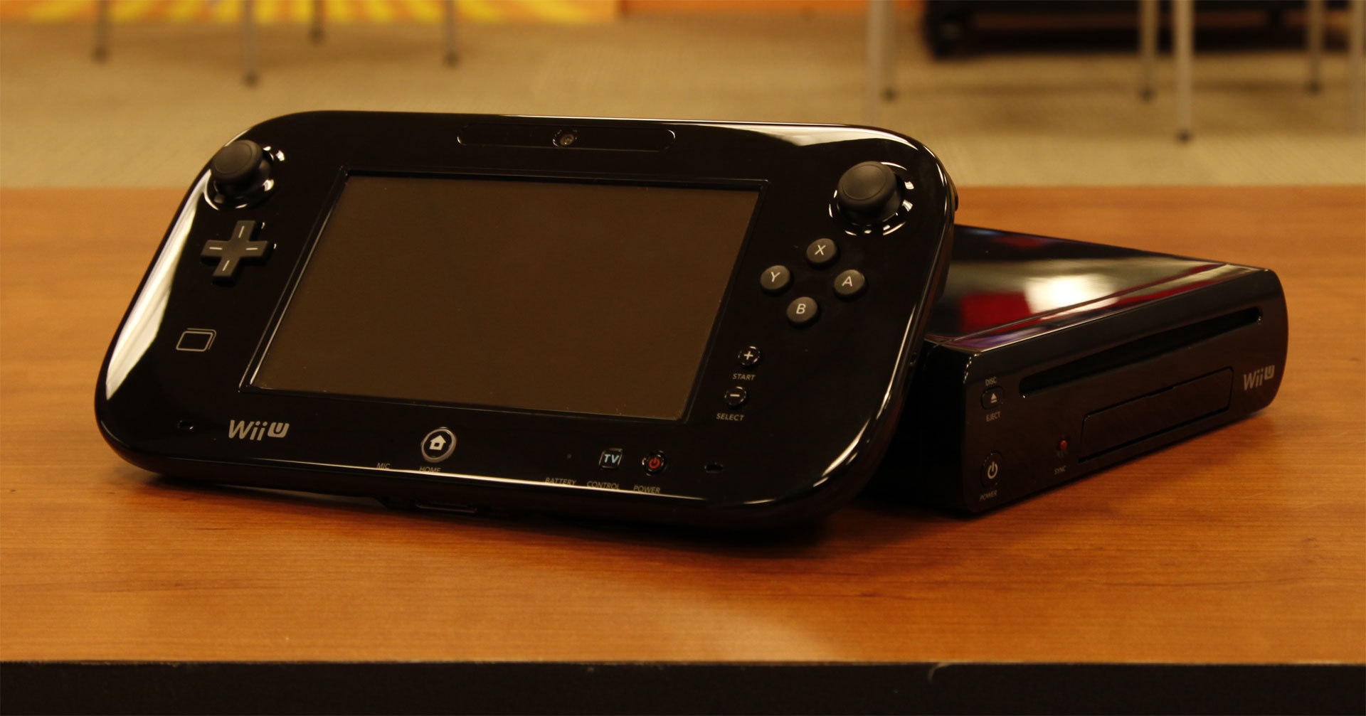 wii u deluxe refurbished systems 200 from nintendo www. Black Bedroom Furniture Sets. Home Design Ideas